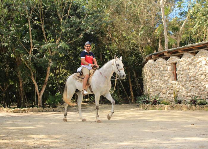 paseocaballo-cancun-tour-lomabonita