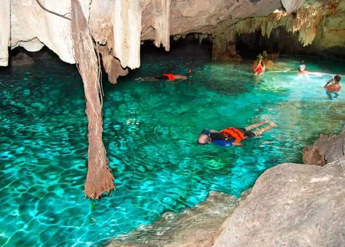cenotes-en-tulum-aktunchen