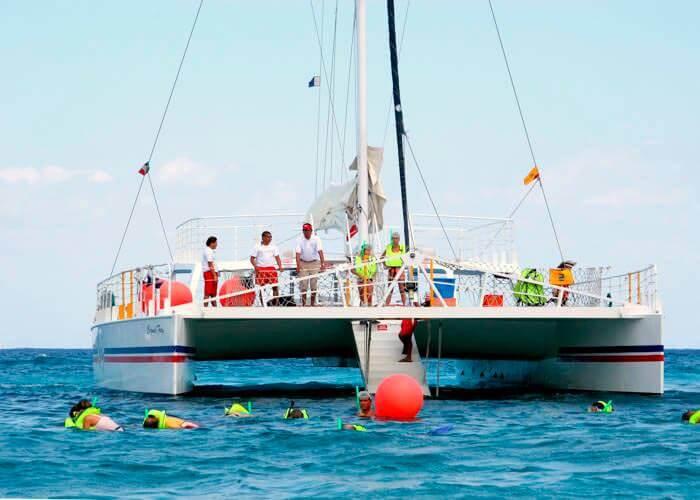 tour-catamaran-cozumel-fury