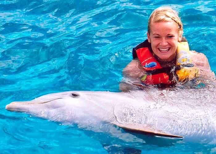 tour-nado-con-delfines-islamujeres-y-garrafon