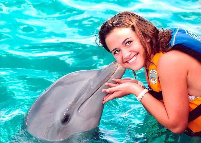 Isla Mujeres y Nado con Delfines + Tulum Express + Playa del Carmen