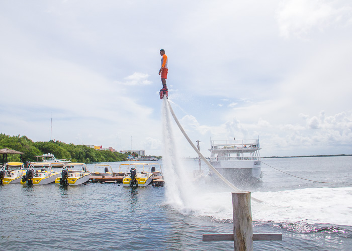 tours-aventura-cancun-flyboard