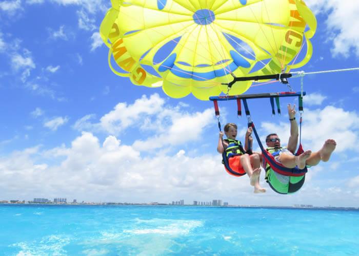 actividades-cancun-parasailing