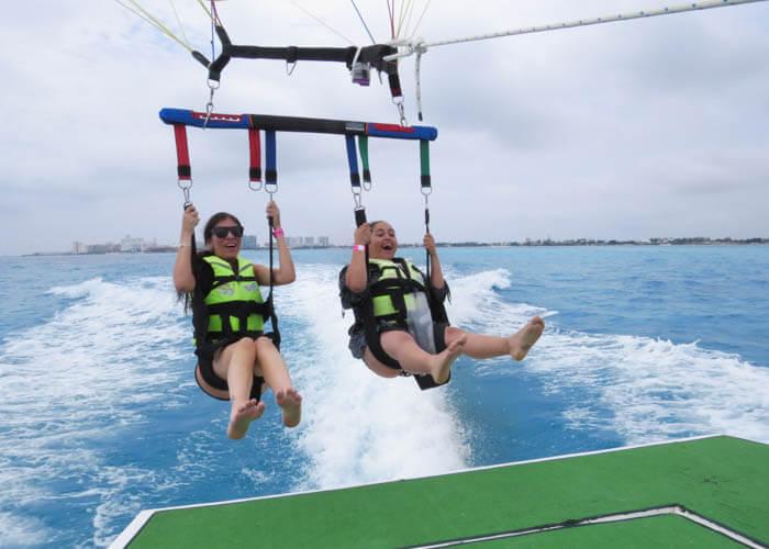 tours-aventura-cancun-parasailing