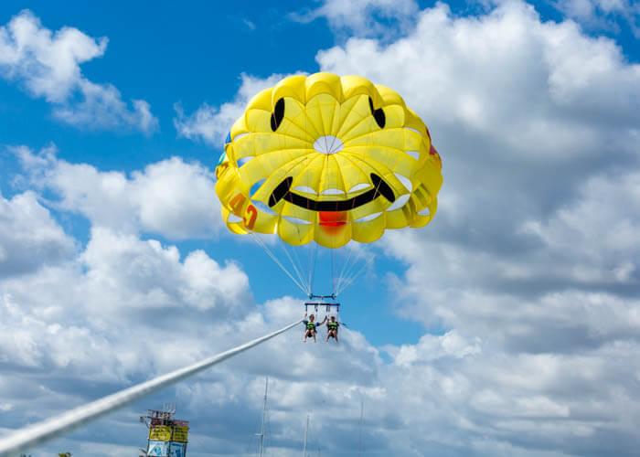 parasailing-actividades-cancun