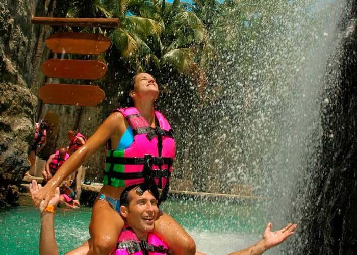 tour-parquexcaret-rivieramaya-pareja-rio