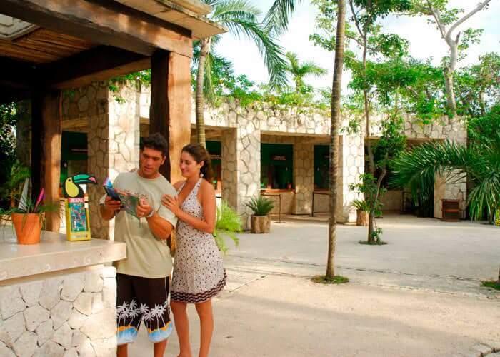 tours-rivieramaya-xcaret-entrada