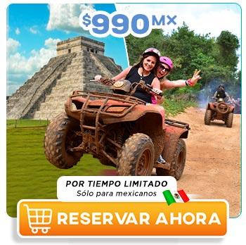 Chicas conduciendo una cuatrimoto en Chichén Itzá