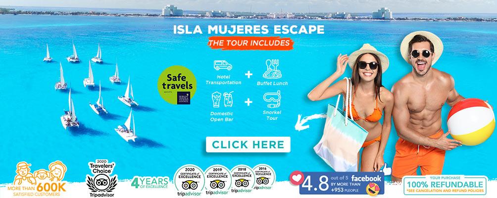 Girls taking selfies at Playa Norte Isla Mujeres