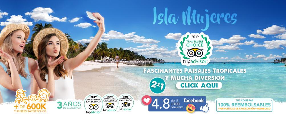 Chicas paseando en Isla Mujeres Playa Norte