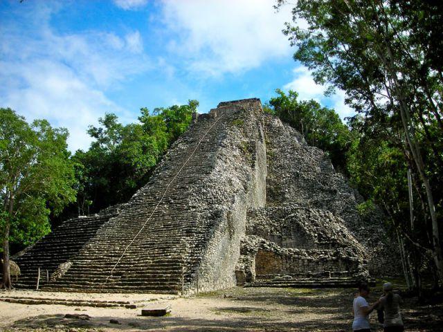 Piramide de Nohochmul piramide de Cobá