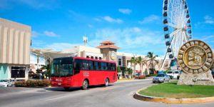 Autobus transporte publico en zona hotelera de Cancún