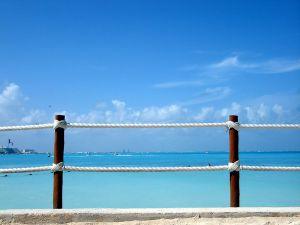 Vista de la playa de Cancún desde mirador