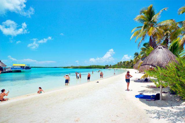 playa de isla contoy